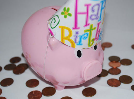 Birthday-piggy-bank_wm