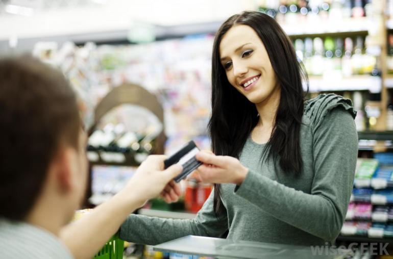 woman-using-credit-card